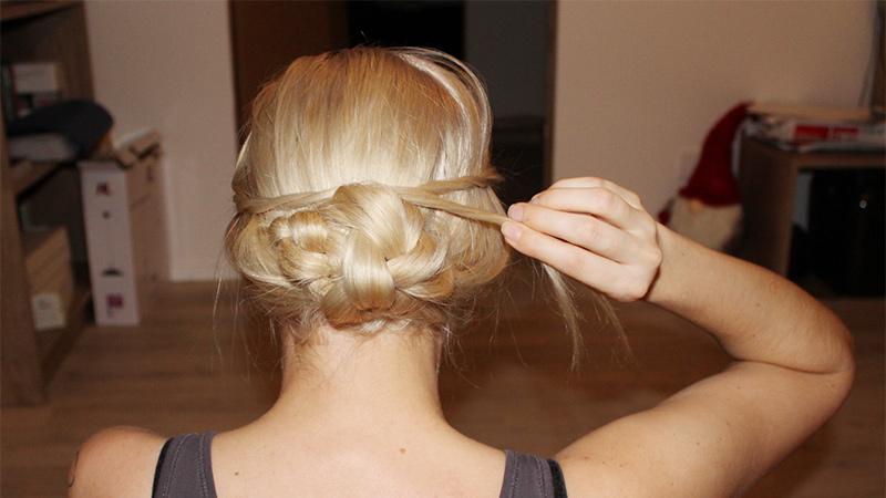 Easy Ballfrisur für lange Haare
