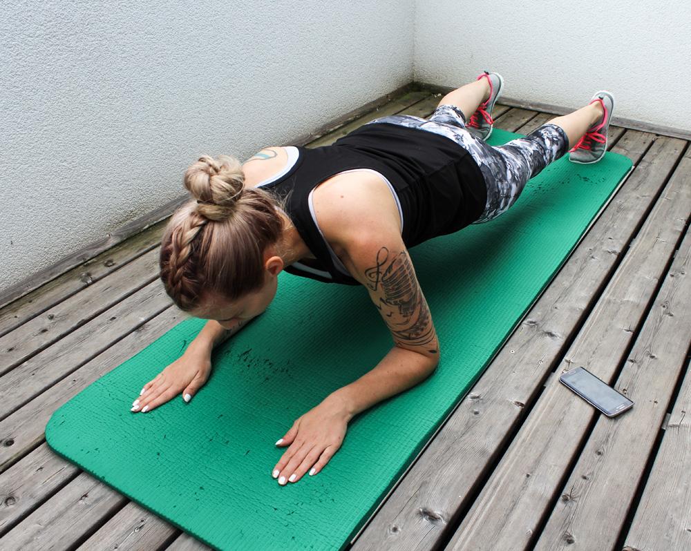 Knee Pushups & Plank