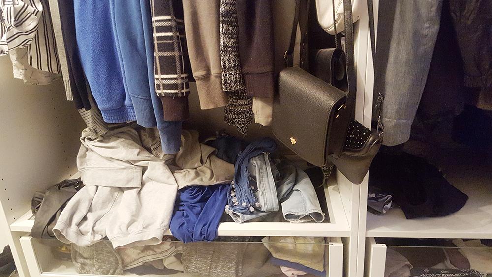 Kleiderschrank Chaos