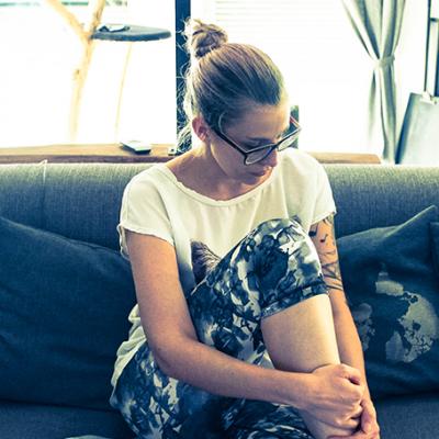 5 Dehn- und Sportübungen für die Couch